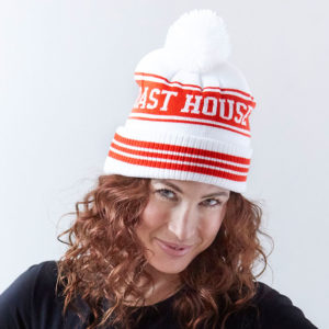 Oast-Toque_Wht-Red